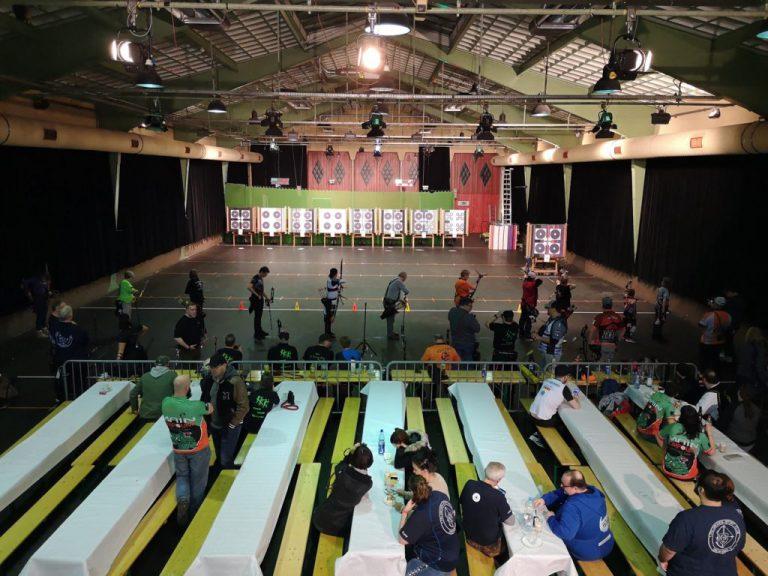 Bogenschützen bei der Regionalmeisterschaft West des DFBV in der Halle