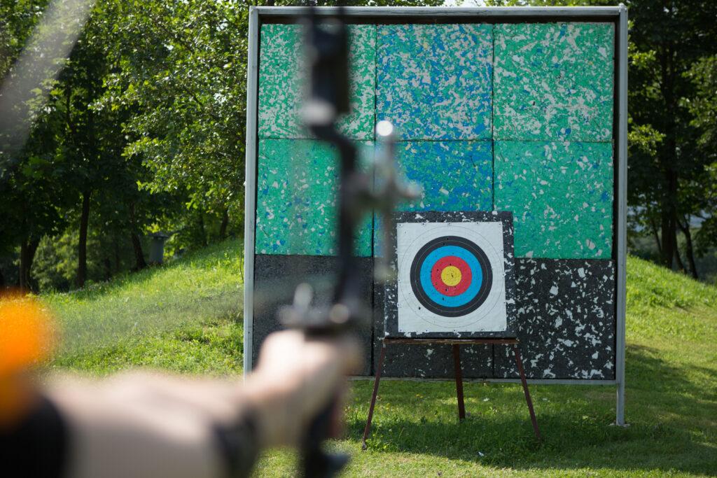 Zielscheibe aus Blöcken für den Bogensport