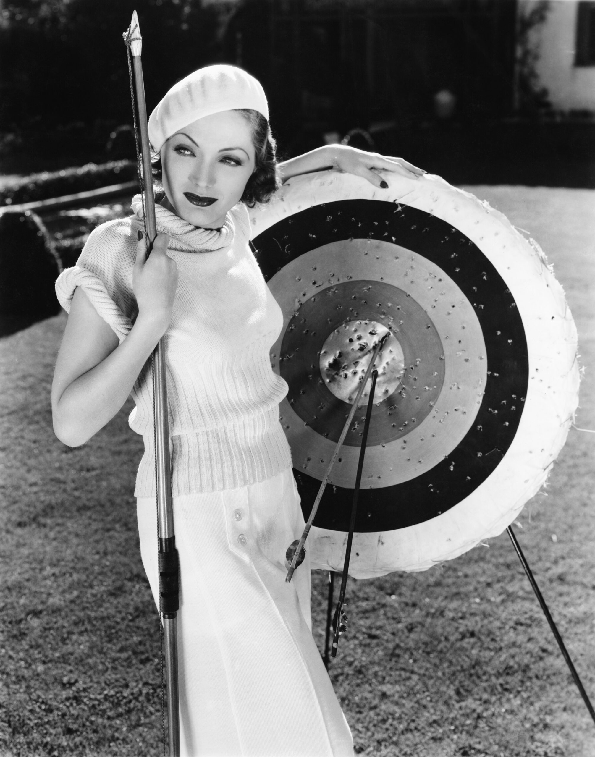 Frauen im Bogensport (um ca. 1940)